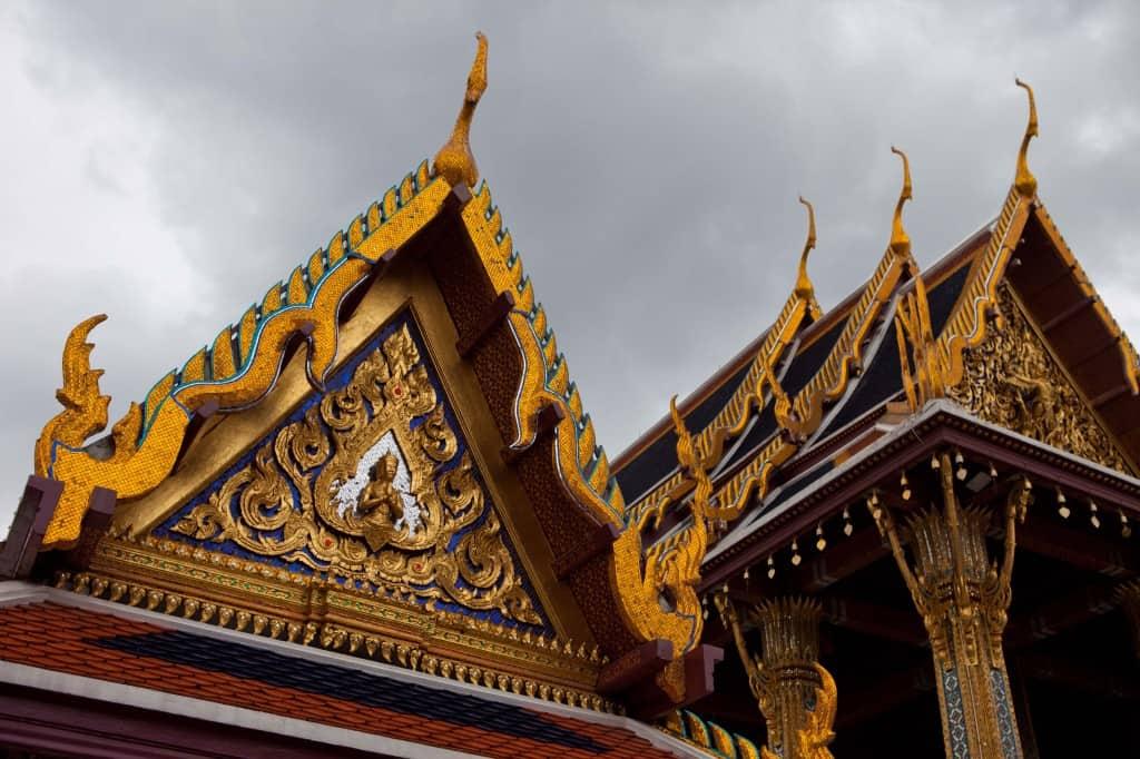 bangkok grand palace in backpacking asia travel guide