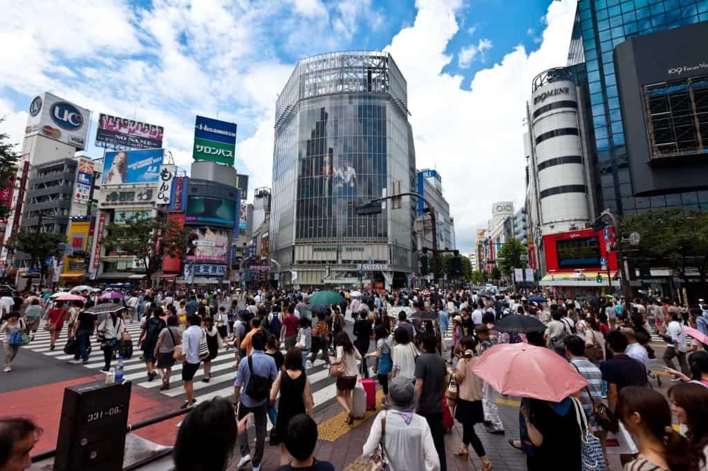 shibuya crossing in tokyo japan travel guide