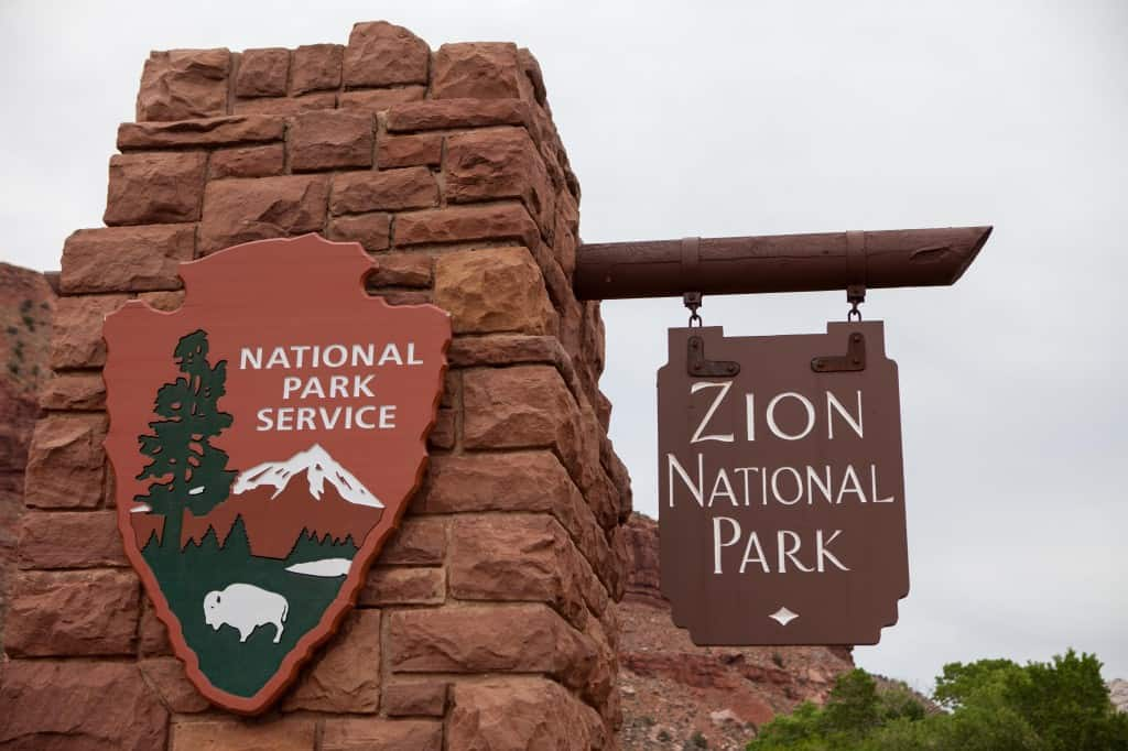 entrance sign to zion national park