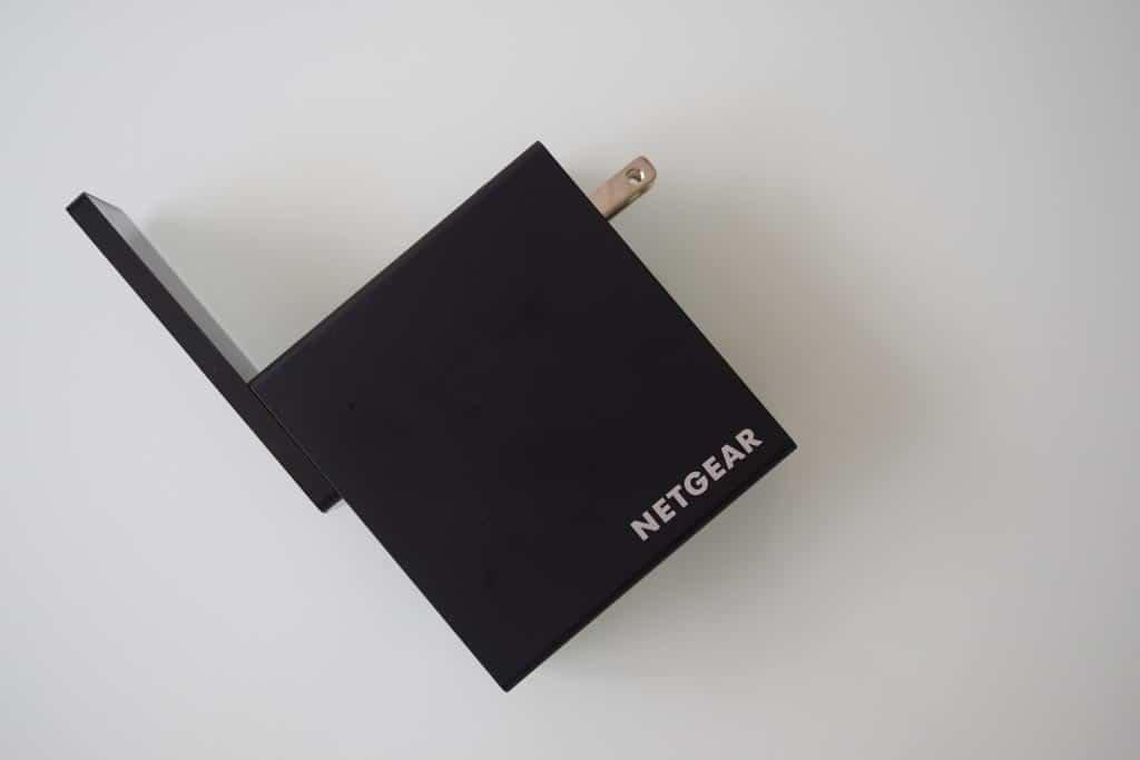 NETGEAR-Trek-N300-PR2000-Flat