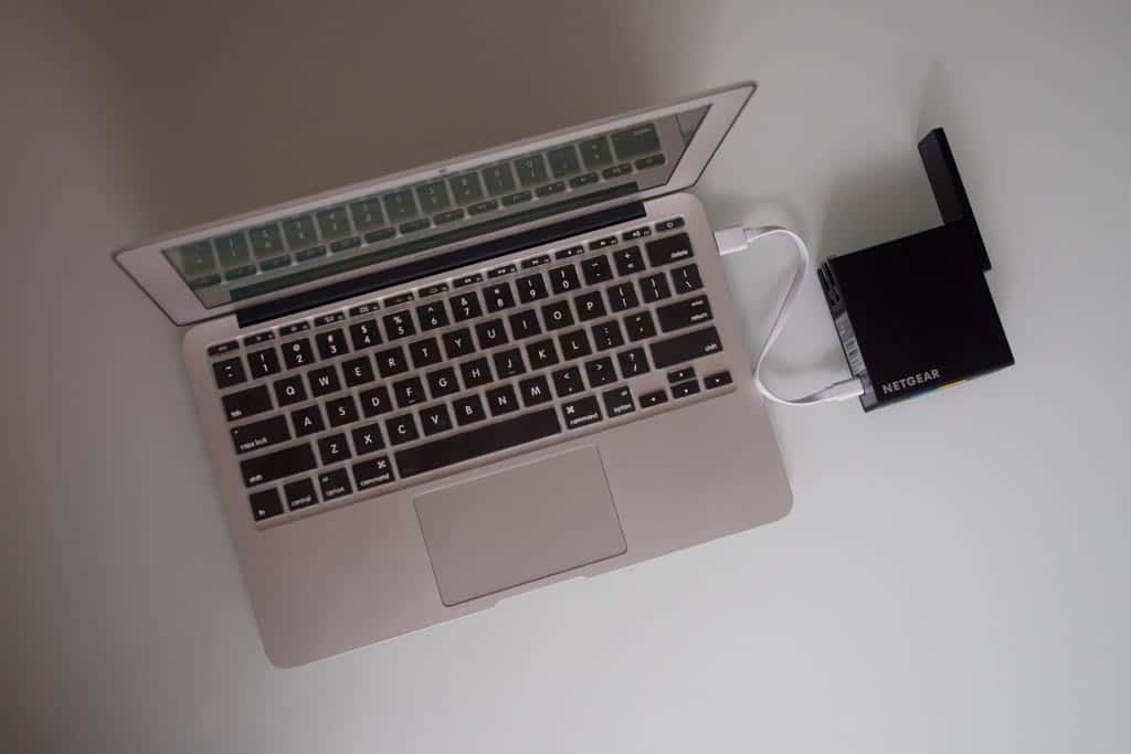 NETGEAR-Trek-N300-Powered-By-USB