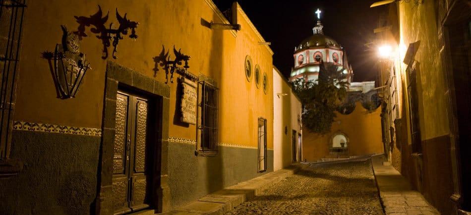 The alleyways of Guanajuato.