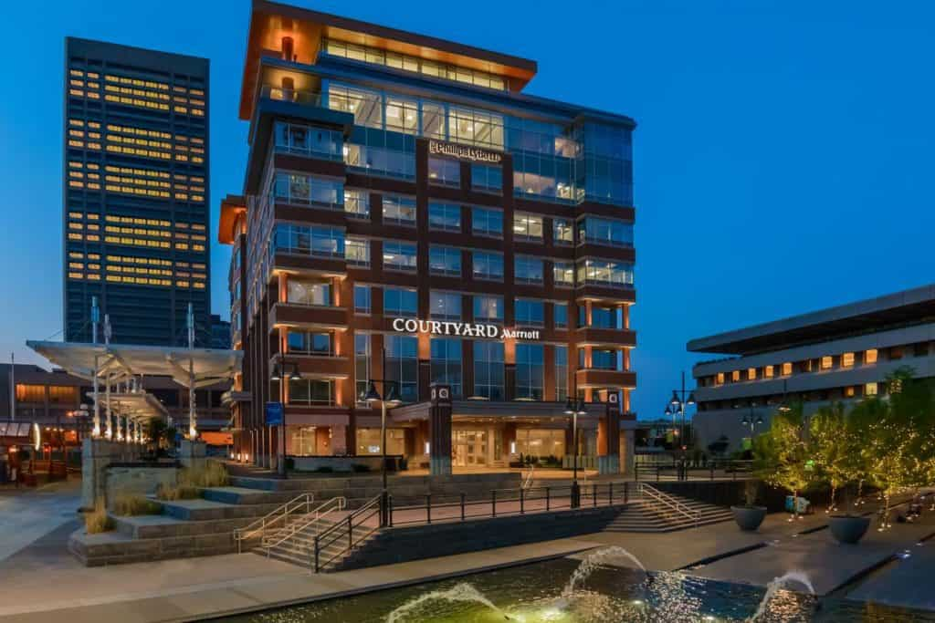 outside view of courtyard by marriott buffalo canalside