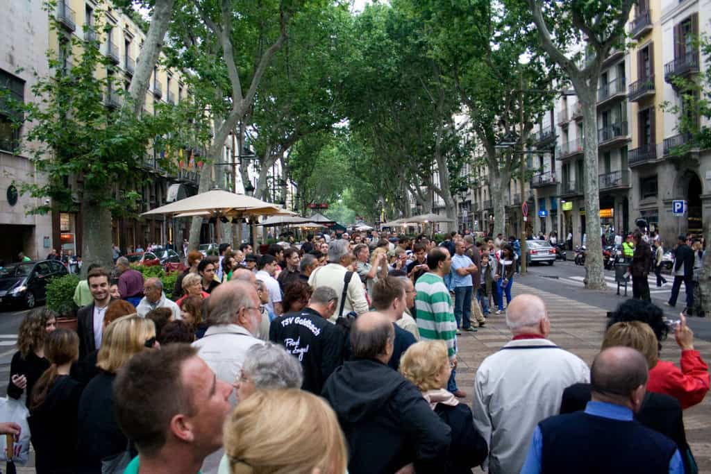 la rambla street in reasons to go to barcelona