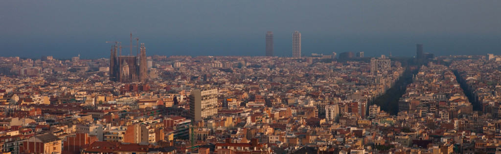 panorama view of downtown barcelona from parc guell