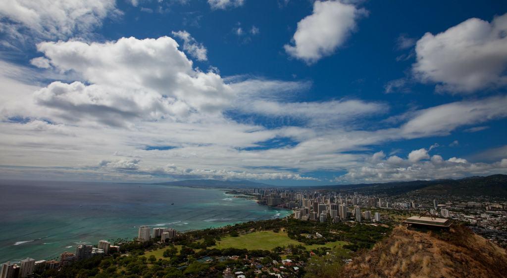 5 Waikiki Beach Hotels That Won T Break The Bank In Honolulu
