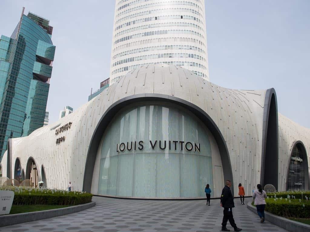 l'avenue louis vuitton in shanghai