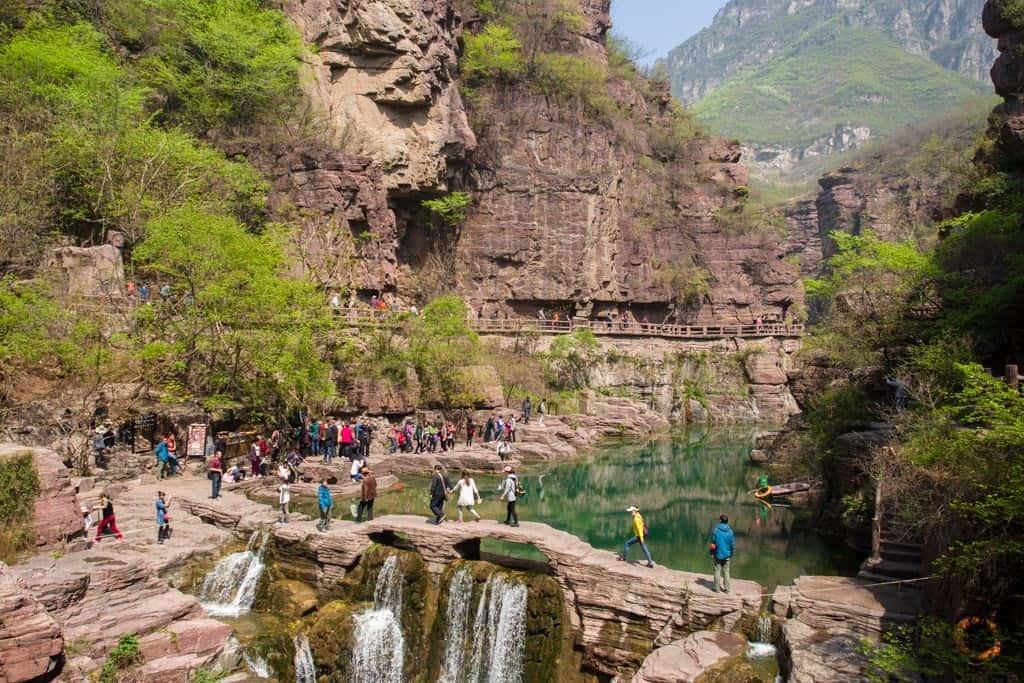Yuntai Mountain Red Stone Gorge Stone Bridge
