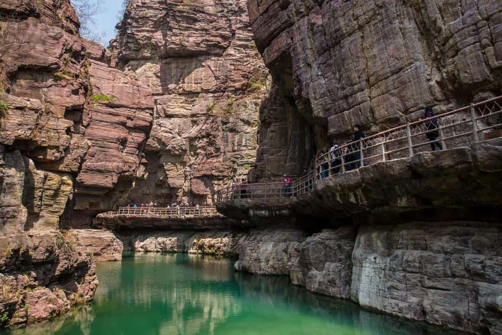 Yuntai Mountain Red Stone Gorge Walkways