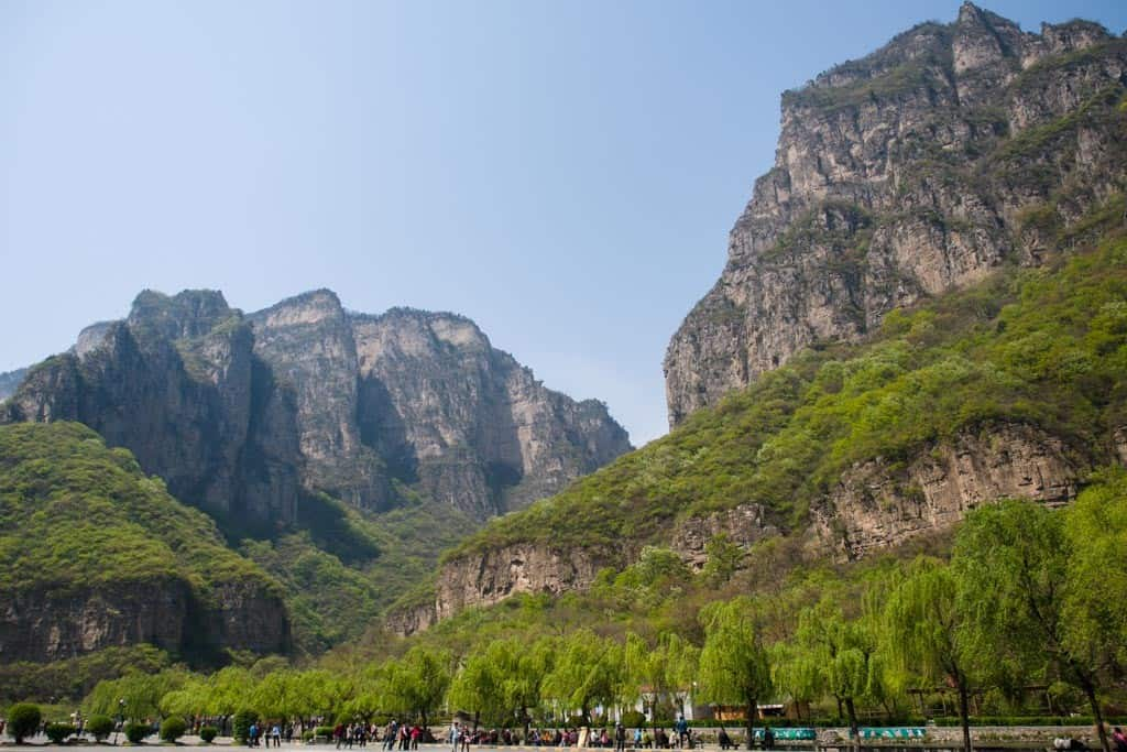 Xiaozhai Valley Square View of the Mountains