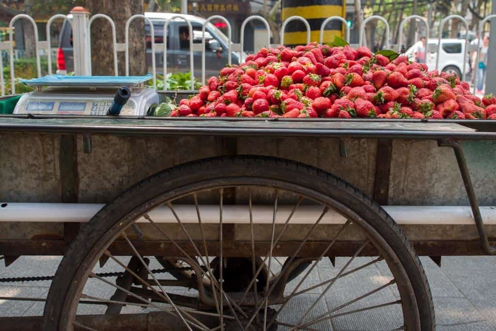 There are ALOT of strawberry vendors during this time of the year (April).