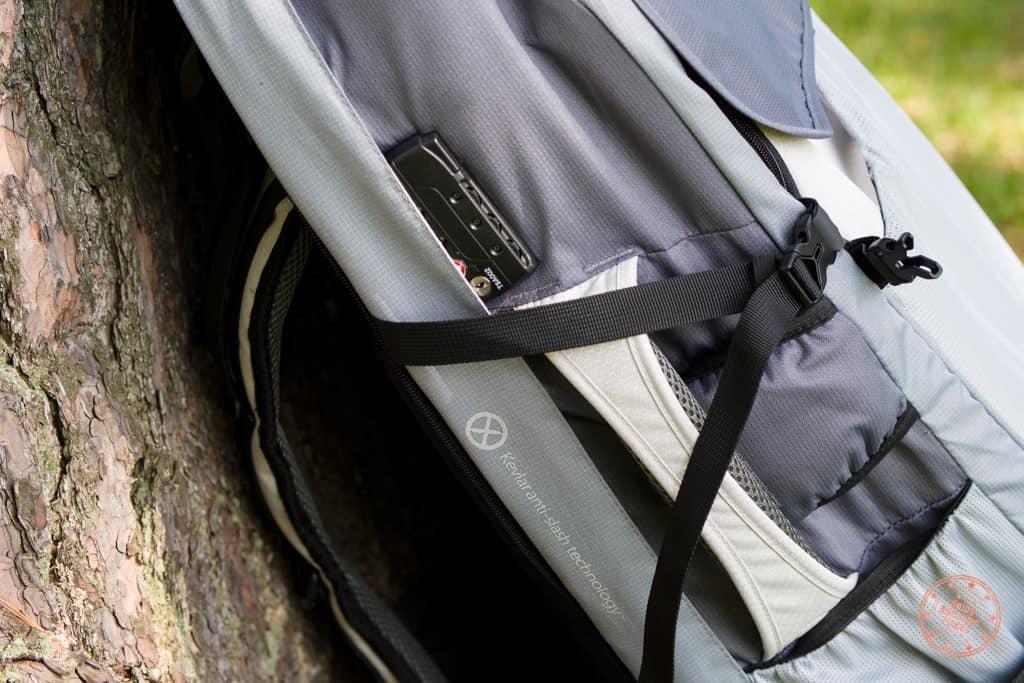 Numinous Backpack Kevlar Anti-Slash Technology
