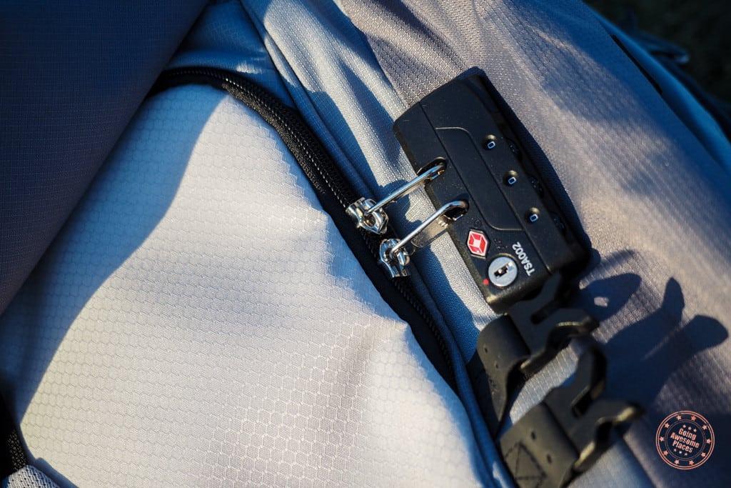 Numinous 55L TSA Approved Zip Locks
