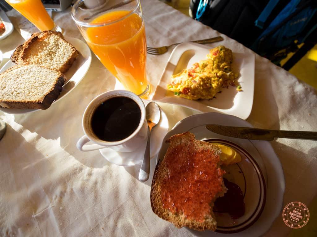 Breakfast at Swaynes Lodge