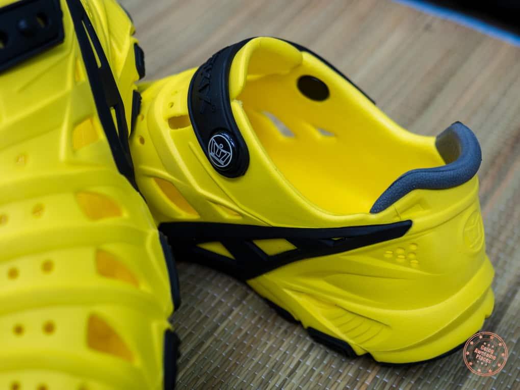 review of crosskix 2.0 yellowjacket shoe closeup