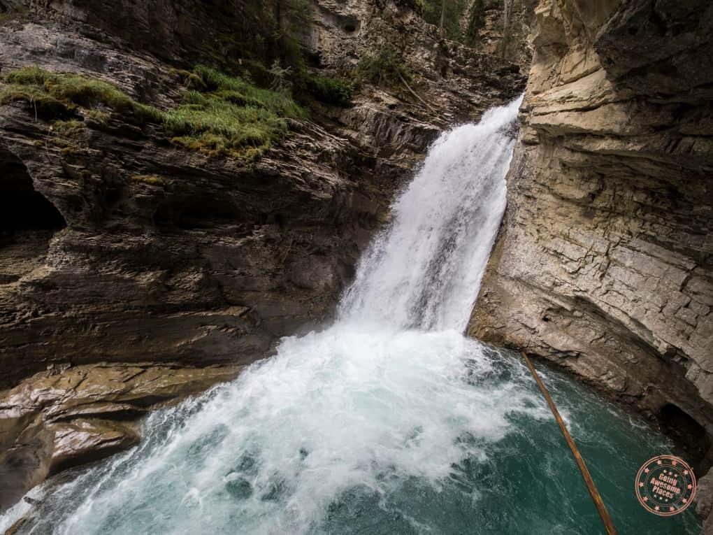 johnston canyon lower falls close up