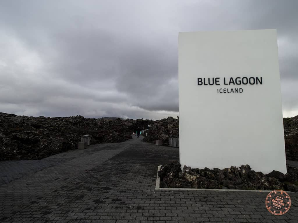 blue lagoon entrance in iceland