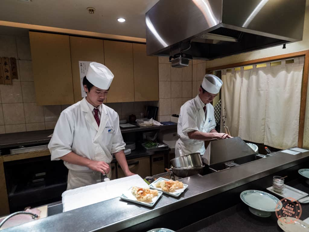 tempura chefs at tsunahachi