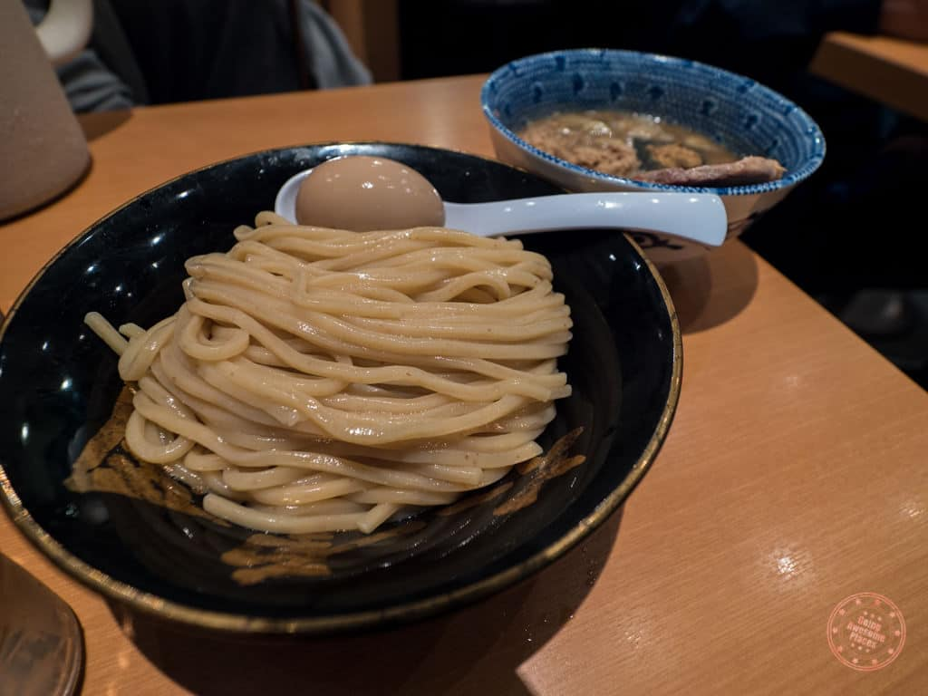 rokurinsha's famous tsukemen style