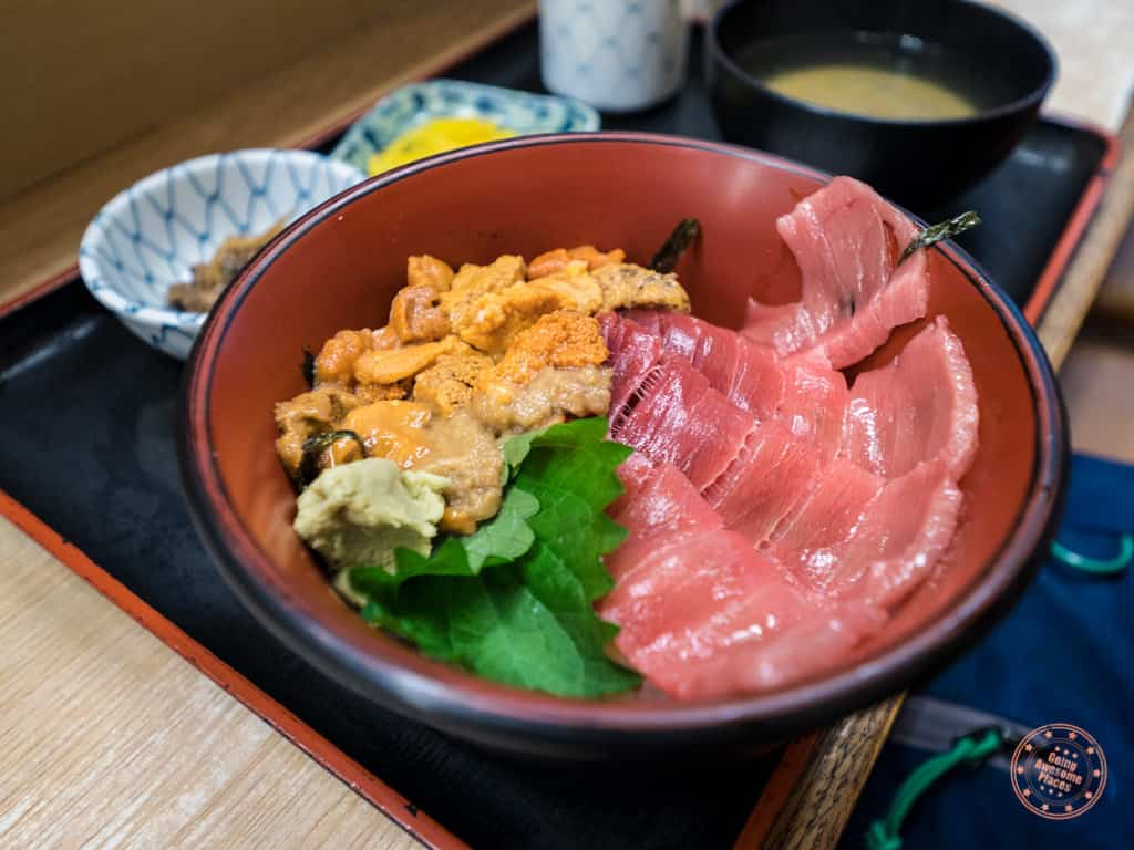 chirashi bowl with fatty tuna and uni