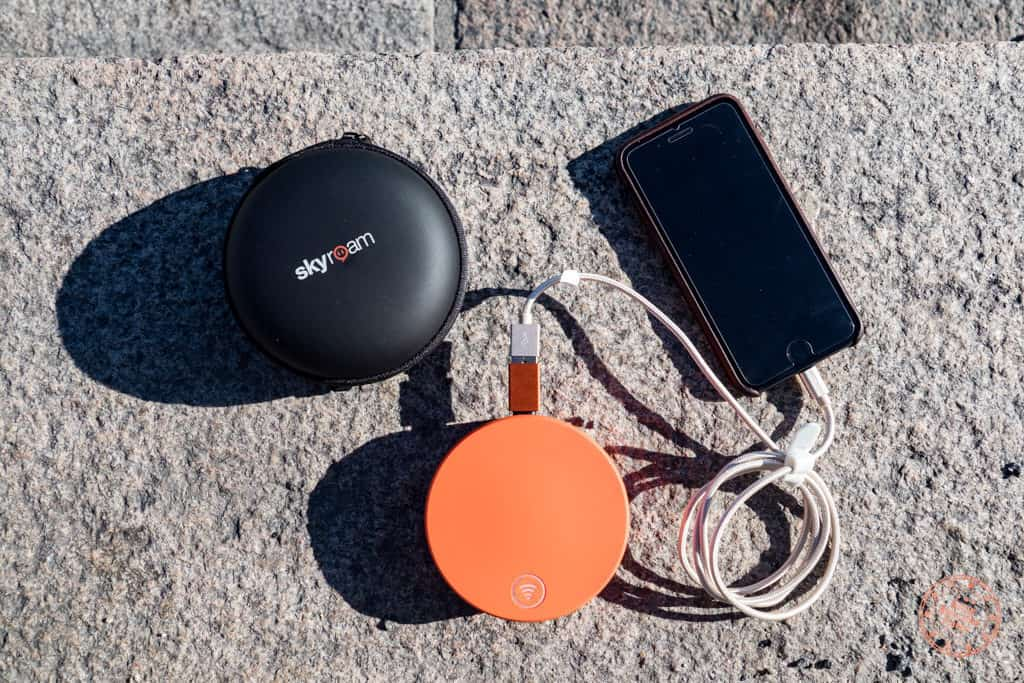 charging my phone with the skyroam solis