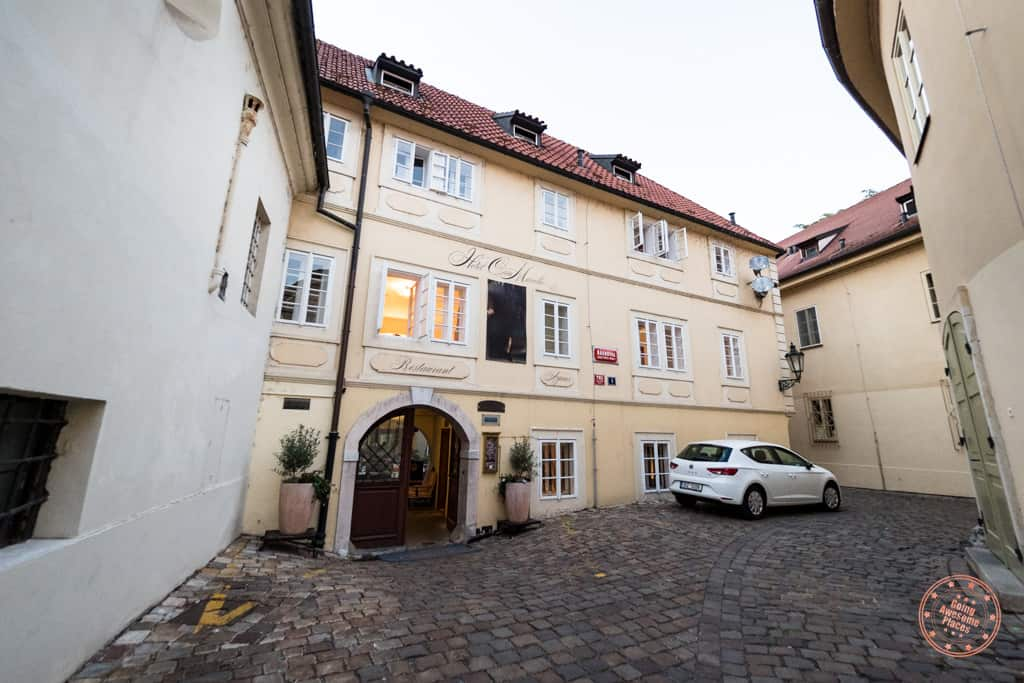 front entrance to hotel casa marcello in prague