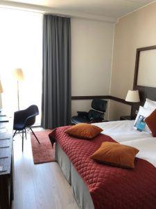 inside clarion helsinki hotel room