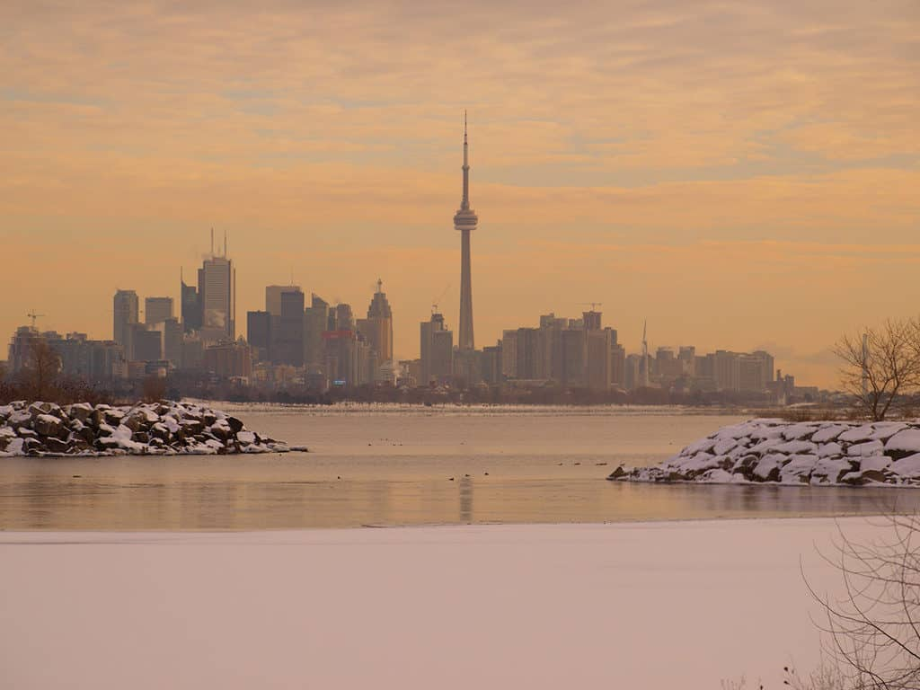 toronto skyline view from humber bay east park