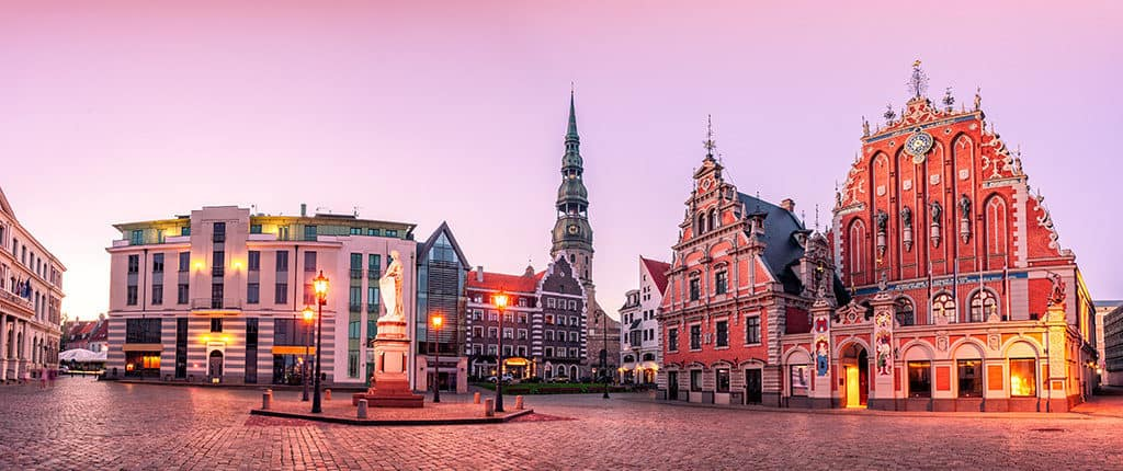 riga old town city hall square and day trips that can start from here