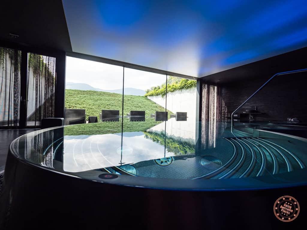 miura hotel spa hot tub