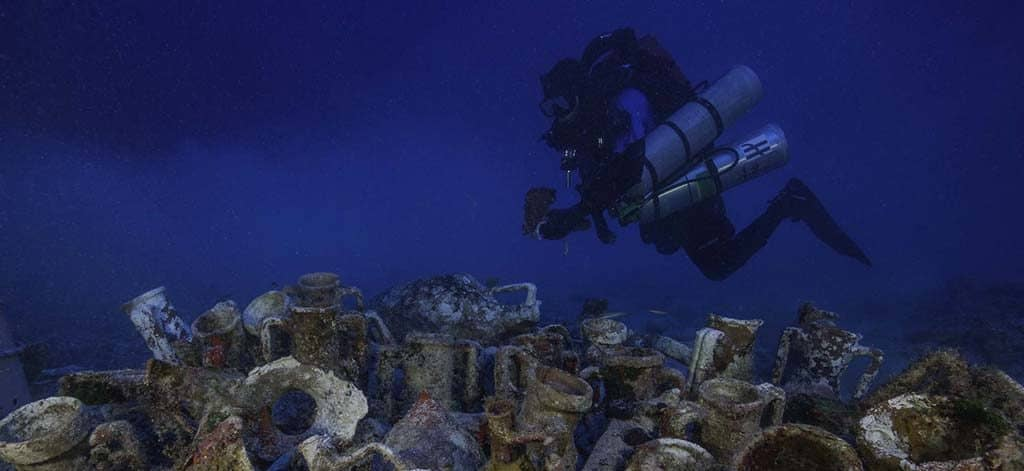 udos onelife game of antikythera with hublot diving