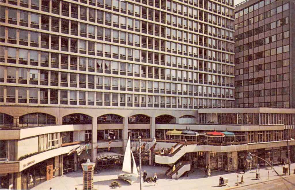 toronto the colonnade building in 1967