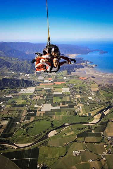 skydive abel tasman activity with flying kiwi