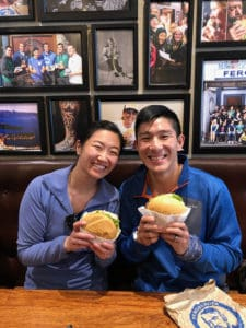 eating fergburger burgers in queenstown as part of 3 week new zealand itinerary