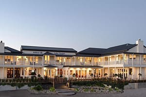 hilton lake taupo hotel new zealand