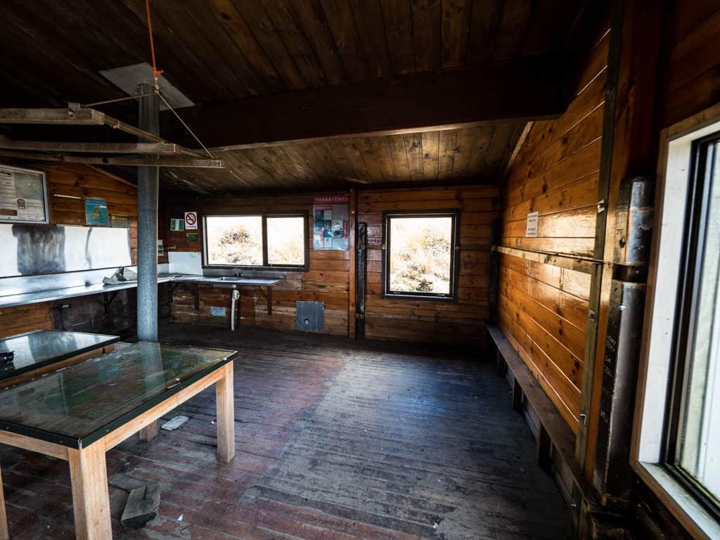 inside ketetahi hut in tongariro new zealand