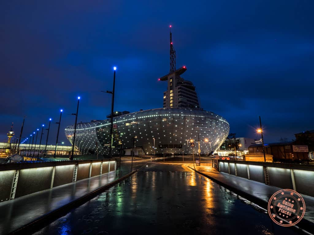klimahaus climate museum bremerhaven photography in the evening