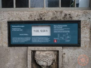 meeting point sign for bremen town hall
