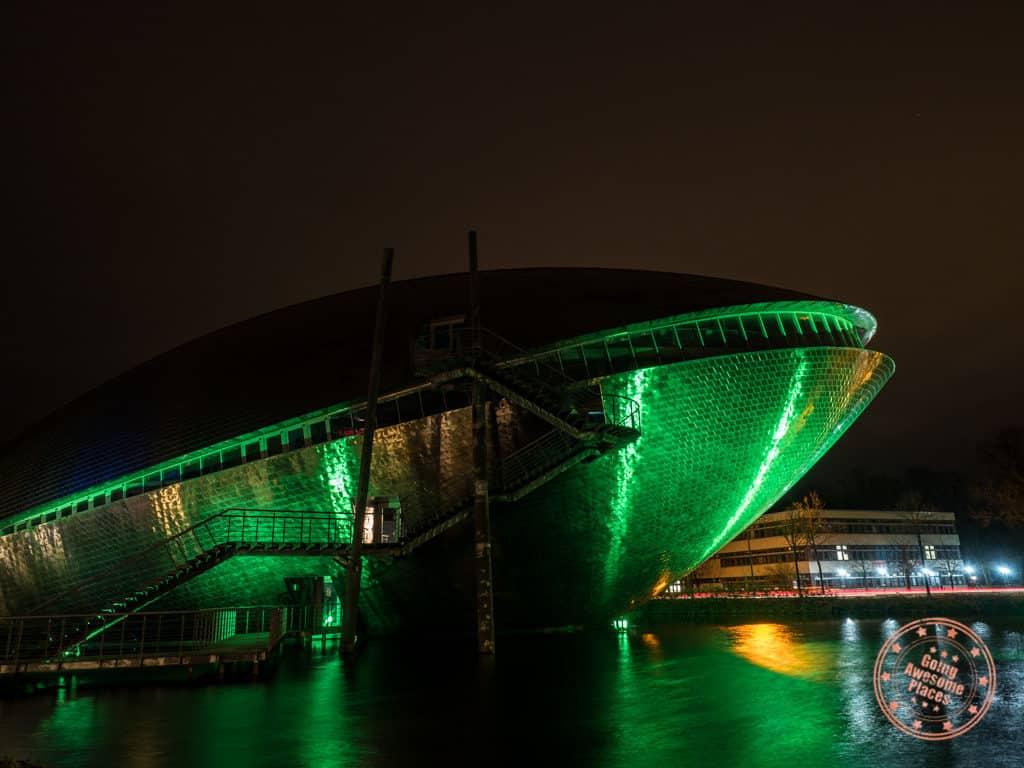 universum bremen at night in green