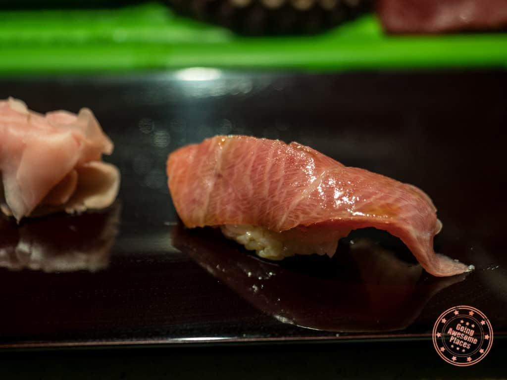 fatty tuna at daiwa sushi in toyosu market