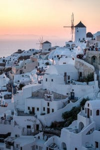 oia sunset santorini greek island trip highlight