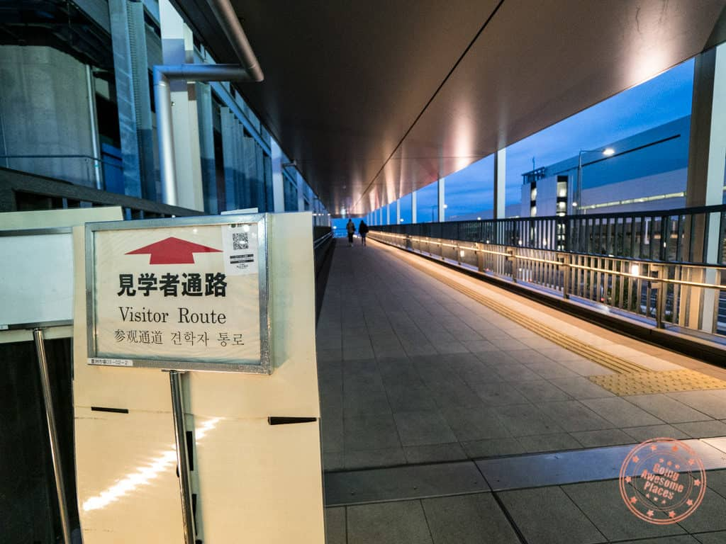 visitor route signs at toyosu fish market in tokyo