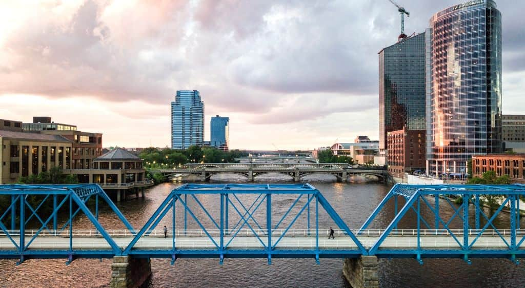 Condos After Dark 100 Wisconsin Avenue >> Things To Do In Grand Rapids A 4 Day Adventure Itinerary