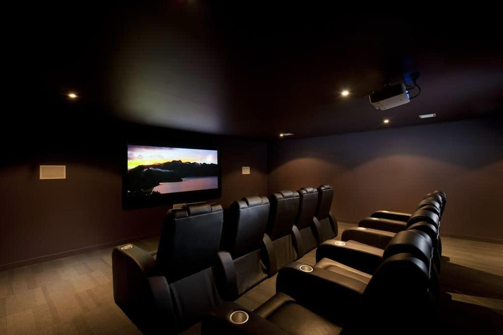 doubletree queenstown executive cinema