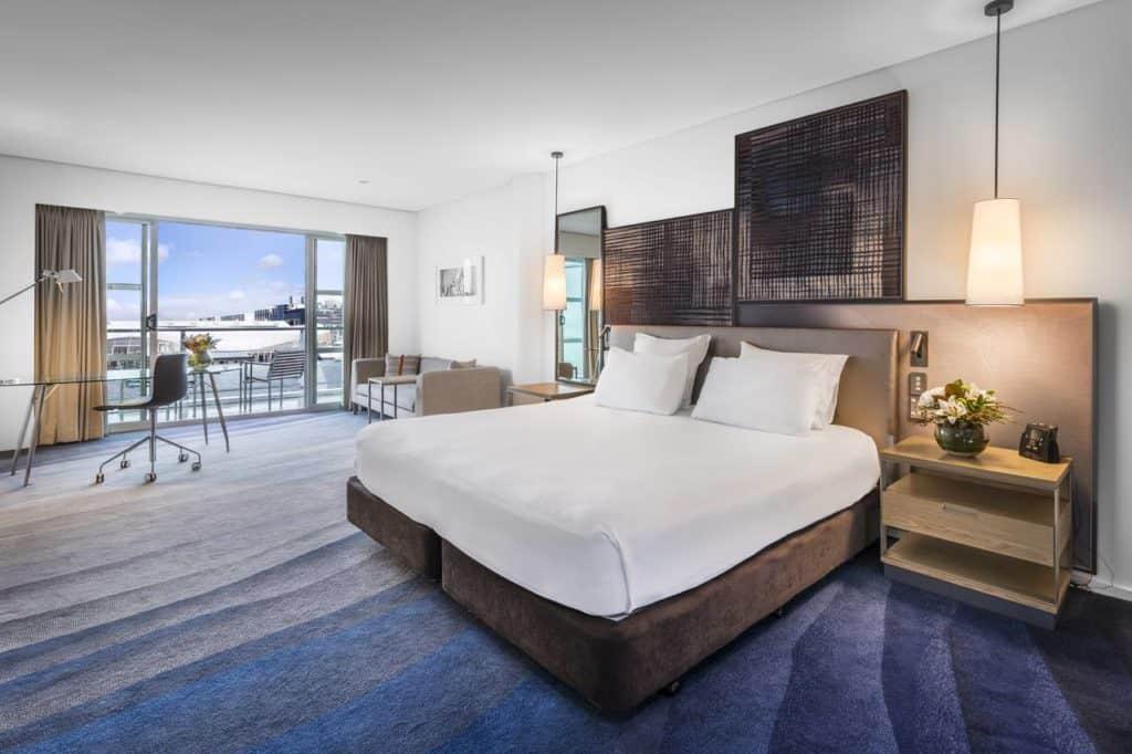 hilton auckland bedroom suite new zealand