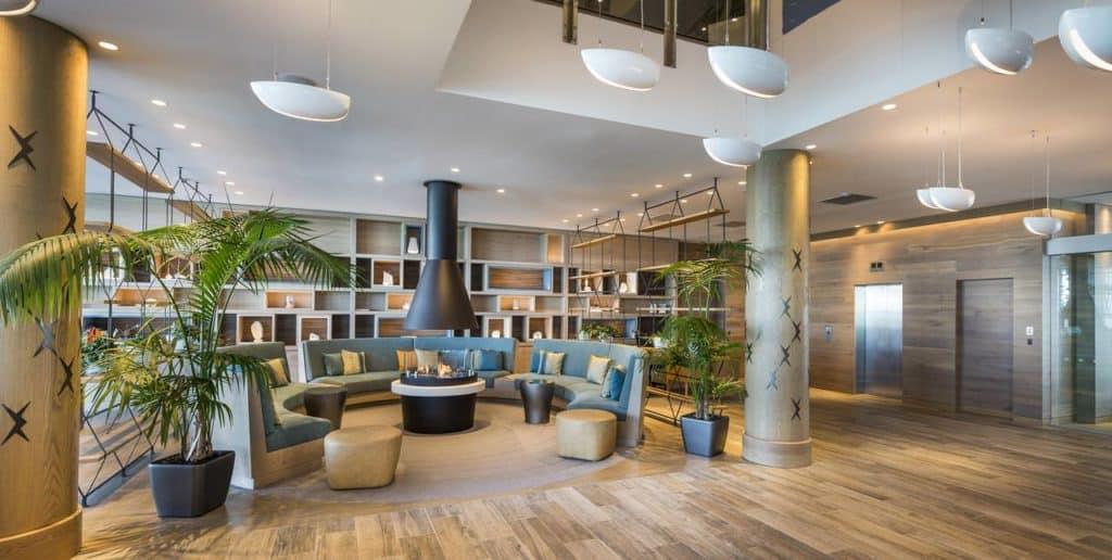 hilton auckland lobby