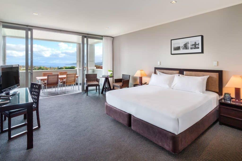 hilton lake taupo bedroom suite