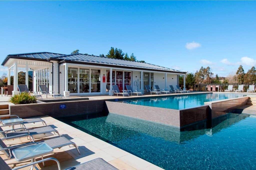 hilton lake taupo thermal pool where to stay