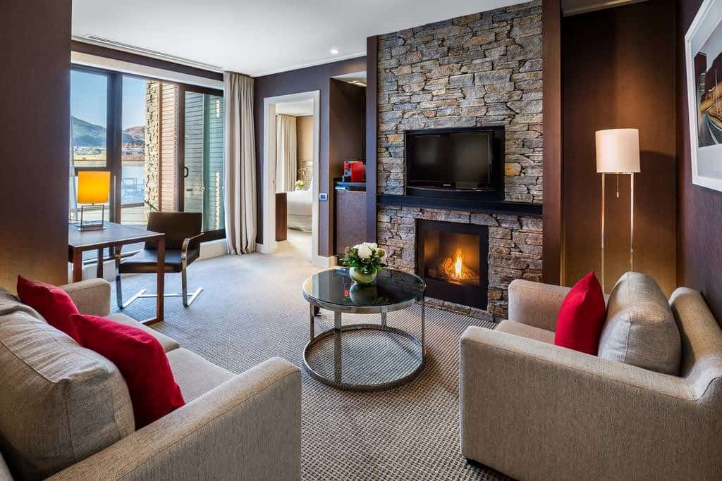 hilton queenstown living room with fireplace