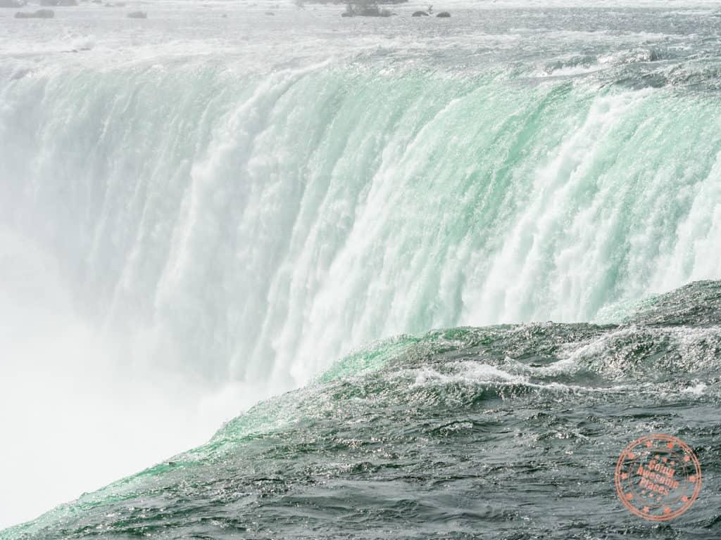niagara falls horseshoe closeup plunge